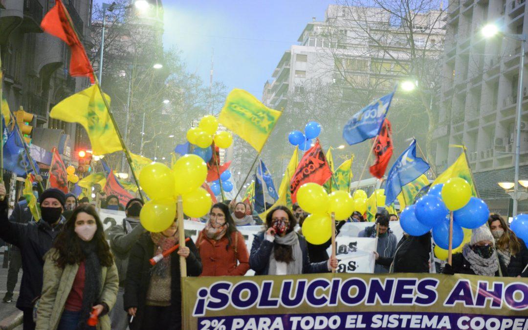 Una multitud acompañó el reclamo NO A LOS RECORTES EN VIVIENDA